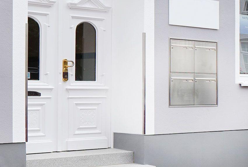 Briefkastenanlage mit Putzrahmen zum bündigen Abschluss an der Wand