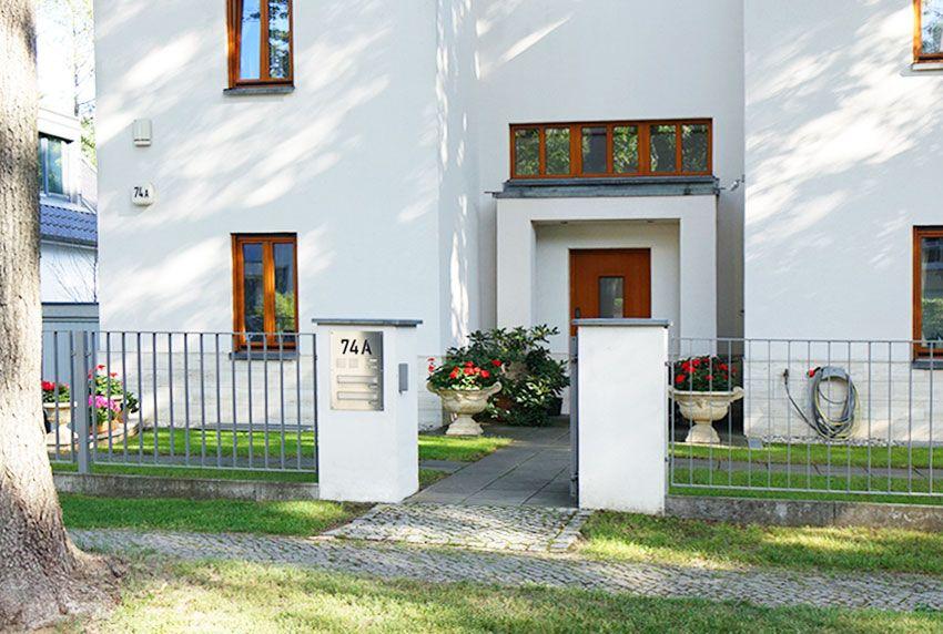 Durchwurfbriefkastenanlage für gemauerte Grundstücksbegrenzung und Außenmauern