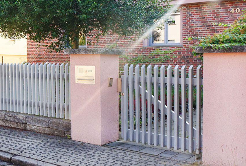 Einbau-Briefkastenanlage aus Edelstahl mit Kommunikationselement