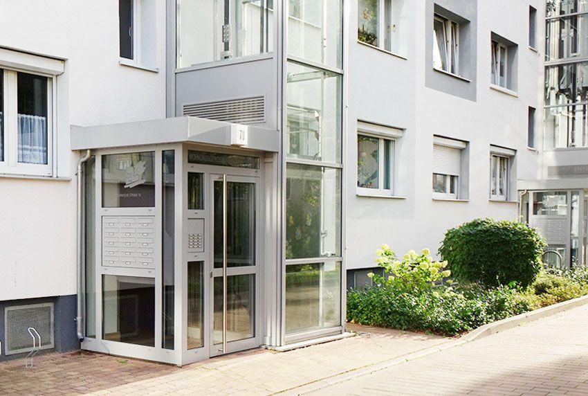 Eine Briefkastenanlage als zentrales Designelement an Gebäuden - welche Stil und Funktion kombiniert