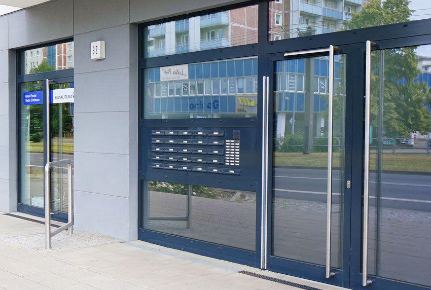 Eingepasste Briefkastenanlage für Bürokomplexe und Gewerbeimmobilien