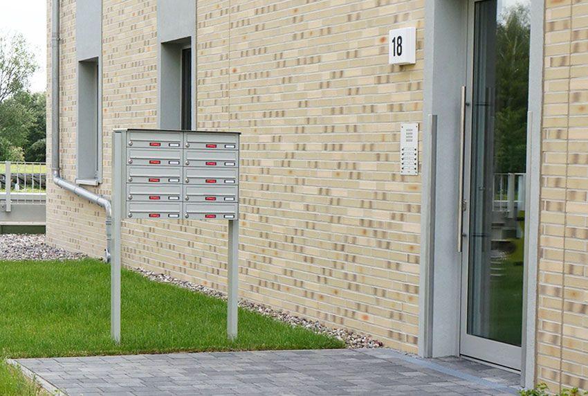 Feststehende Briefkastenanlage mit beständiger Lackierung