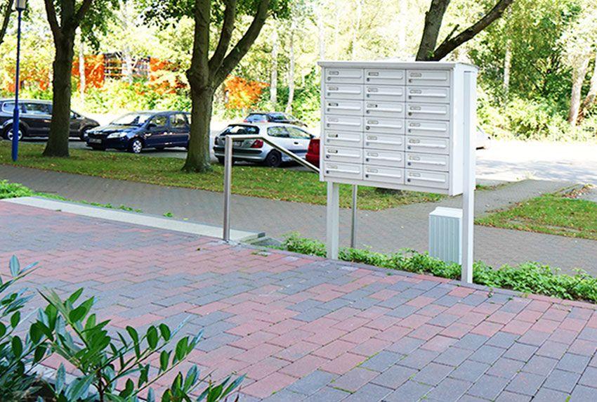 Grundsätzlich besteht eine Briefkastenanlage aus senkrechten oder waagerechten beziehungsweise schrägen Postkästen