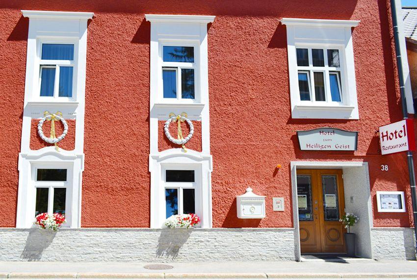 Historische Gebäude mit Briefkasten