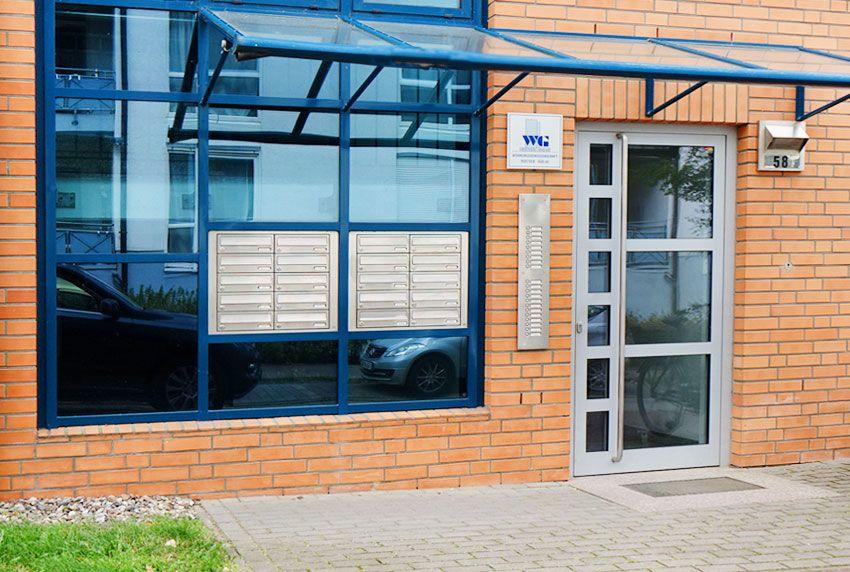 Hochpreisige Briefkastenanlagen in Fensterelement eingebaut