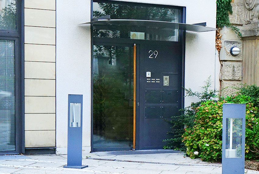 In Deutschland gefertigte Briefkastenanlagen und Außenleuchten online kaufen