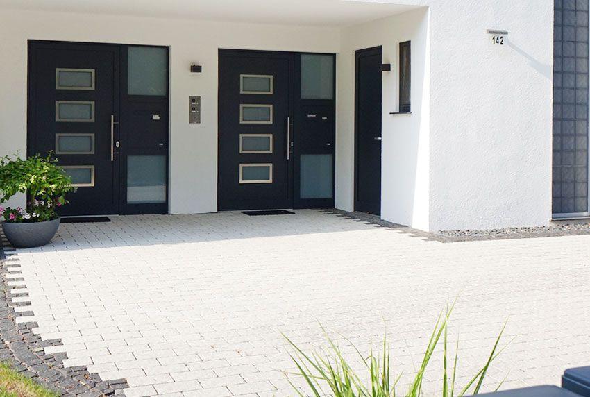 Integrierte Briefkastenanlage für Zweifamilienhaus