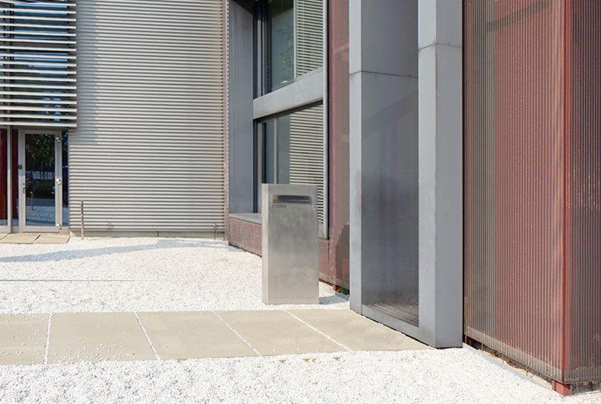 Korrosionsbeständige Briefkastenanlage eignet sich ausgezeichnet für den Einsatz im Außenbereich