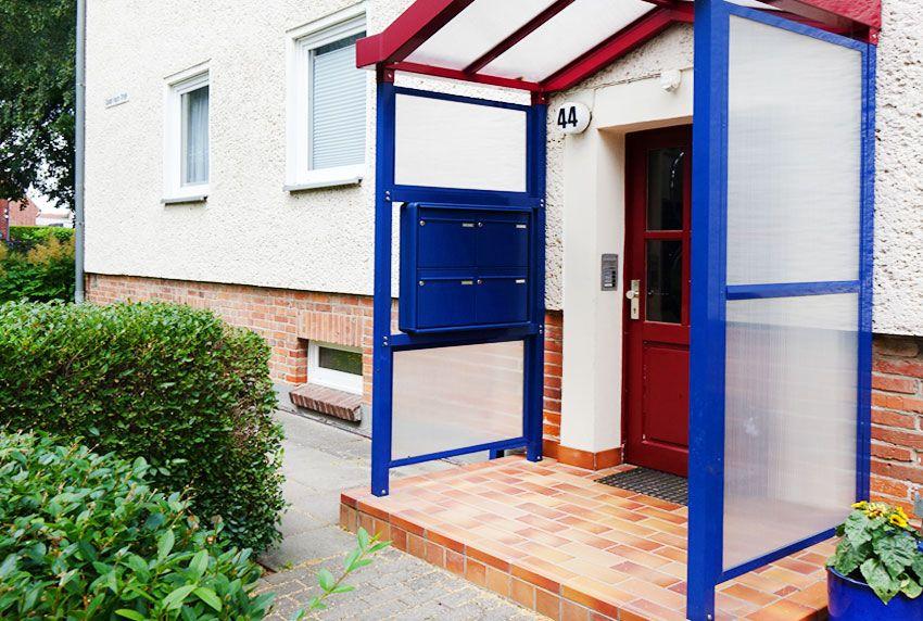 Mehrfamilienhaus-Briefkastenanlage in gewünschter Farbe lackiert