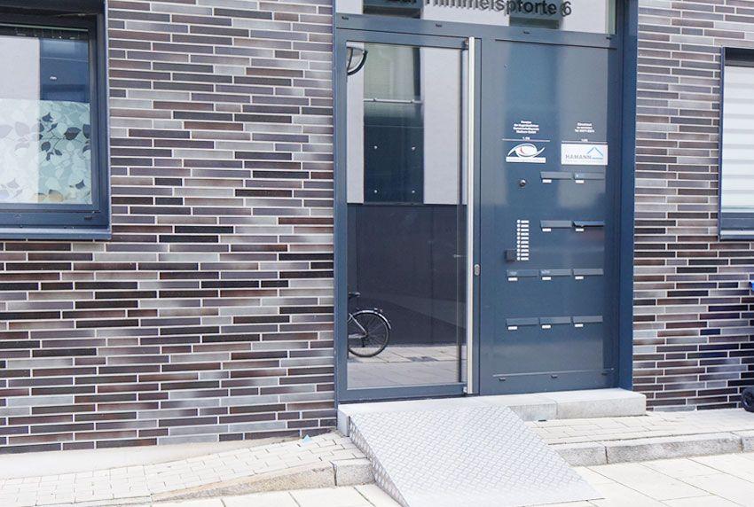 Oft genutzte Briefkastenanlagen Bauform für Gehbehinderte und Rollstuhlfahrer