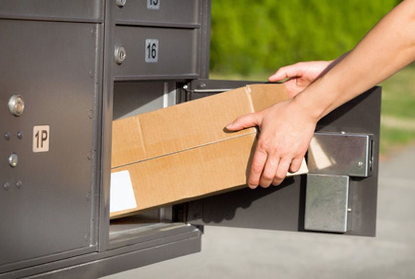 Pakete praktisch und sicher deponiert im Paketkasten