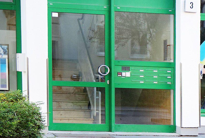 Praktische Briefkastenanlagen für Wohnblöcke