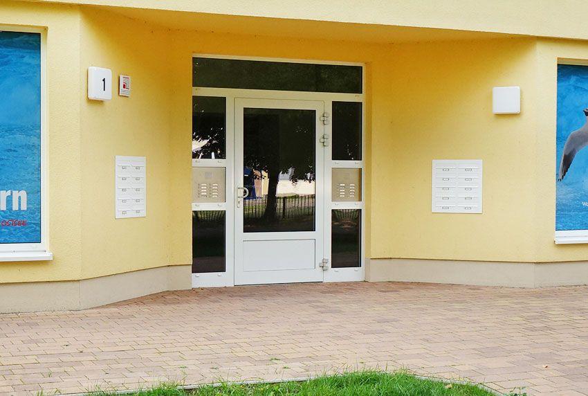 Sonderausführungen von Briefkastenanlagen zum Wandanbau oder Wandeinbau