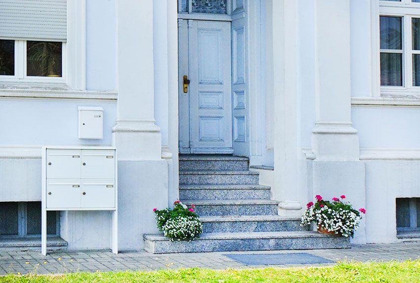 Standbriefkastenanlage mit einzelnen Postkästen oder als 4-Fach Block