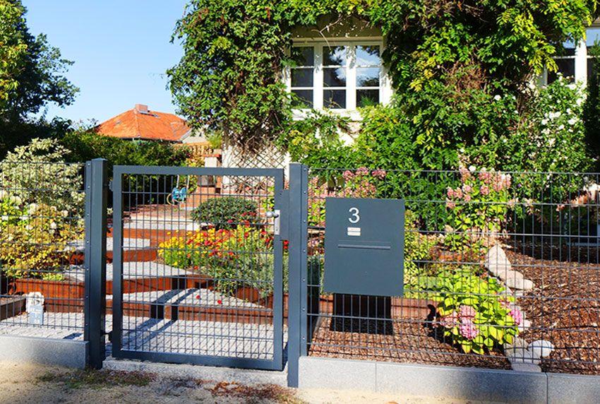 Wie und an welchen Zäunen können Briefkastenanlagen montiert werden?