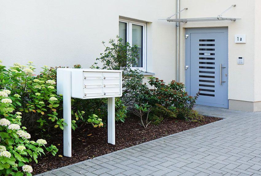 Witterungsgeschützte Briefkastenanlagen mit tiefen Postfächern